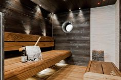 Family sauna with pillar design Harvia Kivi heater Modern Saunas, Sauna Lights, Sauna House, Backyard Storage Sheds, Outdoor Sauna, Sauna Design, Log Home Living, Finnish Sauna, Steam Sauna