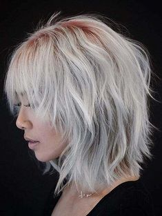 layered bob hairstyles These great short layered bob with bangs images here will guide for a new appereance and amazing experience. Lets take a look these chic short haircuts Mens Hairstyles Thin Hair, Layered Bob Hairstyles, Shag Hairstyles, Hairstyles 2018, Choppy Bob Hairstyles With Bangs, Hairstyles Pictures, Casual Hairstyles, Latest Hairstyles, Celebrity Hairstyles