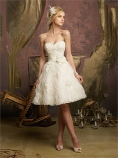 Strapless Sweetheart Ruffled Knee Length Organza Wedding Dress WD1626 www.tidedresses.co.uk $228.0000