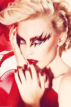 Happy Birthday Kylie Minogue - how could I not love this make up and this person! Glam Rock Makeup, Punk Makeup, Makeup Art, Eye Makeup, Rock Star Makeup, 80s Glam Rock, Disco Makeup, Demon Makeup, Hair Makeup