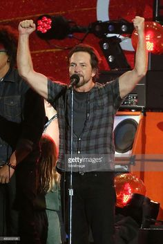 Eddie Vedder of Pearl Jam performs during the 2015 Global Citizen Festival at Central Park on September 26, 2015 in New York City.
