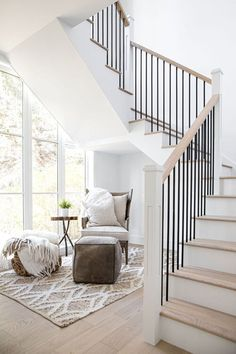 House Staircase, Staircase Remodel, Staircase Makeover, White Staircase, Staircases, Home Stairs Design, House Design, Modern Stairs Design, Style Salon