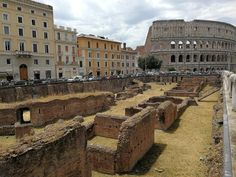 the largest gladiatorial school in ancient Rome