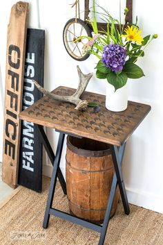 Rustic farmhouse style Houndstooth tray makeover and Antiques sign with Funky Junk's Old Sign Stencils and Fusion Mineral Paint Repurposed Furniture, Furniture Decor, Painted Furniture, Large Furniture, Modern Furniture, Furniture Movers, Outdoor Furniture, Distressed Furniture, Handmade Furniture