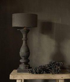 Oud zwart/bruin houten lampvoet