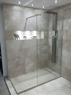 60 stunning small bathroom makeover ideas 67 ~ Design And Decoration Bathroom Layout, Modern Bathroom Design, Bathroom Interior Design, Bathroom Ideas, Modern Bathrooms, Bathroom Inspo, Bad Inspiration, Bathroom Inspiration, Small Bathroom Renovations