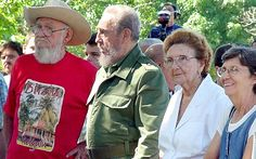 Former Cuban President Fidel Castro (2nd L), his brother Ramon (L) and his sisters Angelina (2nd R) and Agustina Castro (R)