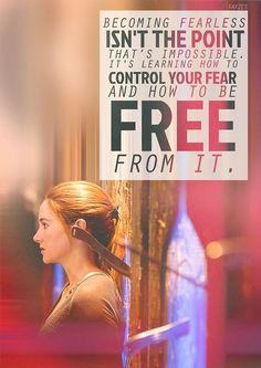 Torne-se destemido não é o ponto isso é impossível.  Ele está aprendendo a controlar seu medo e como ser livre dele.
