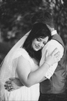 Plus size bride & groom, outdoor wedding under a tree  - rustic wedding