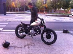 Yamaha SR125 By Cafe Racer Obsession    ♠ http://milchapitas-kustombikes.blogspot.com/ ♠