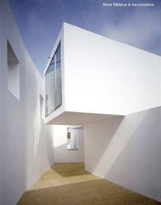 Arquitectura de Casas: Casa de cubos blancos diseño de Aires Mateus.