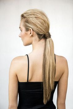 """Sade güzelliği temsil eden """"at kuyruğu"""" saç modelleri ile her daim zarif görünüm!   #HandeHaluk #ulus #zorlu #zorluavm #zorlucenter #hair #hairstyle #hairoftheday #hairfashion #hairlife #hairlove #hairideas #hairsalon #hairstylists #hairinspiration #hairtrends #Aveda #avedahair  #avedahairstylist #avedahairstyle #avedahairsalon"""