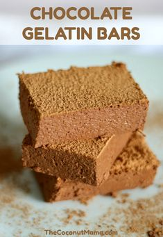 These chocolate gelatin bars are amazing! They are full of minerals (from the cocoa powder), healthy saturated fat and protein. These are a nice post workout snack (or any snack for that matter) and a great treat for kids too! Paleo Chocolate, Sugar Free Chocolate, Homemade Chocolate, Chocolate Desserts, Chocolate Cookies, Chocolate Chips, Paleo Dessert, Gluten Free Desserts, Dessert Bars