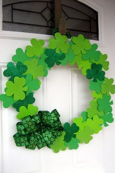Go green with these gorgeous and simple crafts.