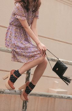 Socks with Shoes can transform your look / Fashion Tag Fashion Tag, Look Fashion, Womens Fashion, Fashion Music, Quirky Fashion, Fashion Heels, Trendy Fashion, Girl Fashion, Retro Mode