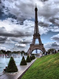 Beautiful Sky in the background of the Eiffel Tower, Paris