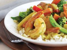 Try a little Thai inspiration with our quick and easy Coconut Shrimp Curry— those hard-to-find hot chilies and lemongrass are built right in thanks to prepared Thai curry paste. Curry Recipes, Fish Recipes, Pasta Recipes, Healthy Recipes, Savoury Dishes, Tasty Dishes, Curry Shrimp, Gluten Free Recipes For Dinner, Coconut Shrimp