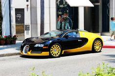 Bugati veyron  black and yellow