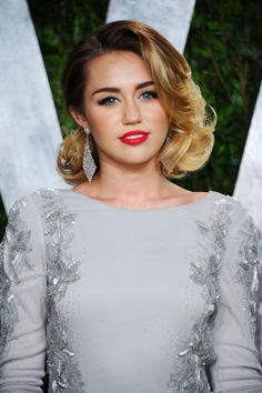 miley cyrus vintage hair | Best Celebrity Hairstyles from 2012 Vanity Fair Oscar Party