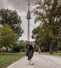 on the way to a meeting with KUKLA as a pencil skirt with different clips - amazing! Pencil, Amazing, Skirts, Outfits, Gowns, Suits, Skirt, Kleding