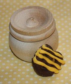 Winnie the Pooh honey bee party treats