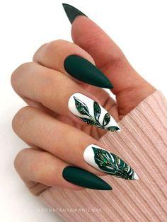 Chic Nails, Dope Nails, Stylish Nails, Trendy Nails, Swag Nails, Dark Green Nails, Green Nail Art, Dark Green Nail Polish, Green Toe Nails