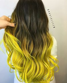 Obsessed with all this electric yellow I've been seeing might haft to try it on . Obsessed with al Yellow Hair Color, Funky Hair Colors, Pretty Hair Color, Hair Colours, Green Hair, Hairstyles Haircuts, Pretty Hairstyles, Beliage Hair, Galaxy Hair