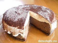 "En kaloribombe ""made in heaven""... Norwegian Cuisine, Norwegian Food, Norwegian Recipes, Pudding Desserts, Mousse Cake, Baileys, Cake Recipes, Cake Decorating, Food And Drink"