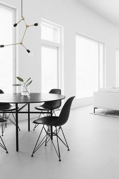 Concrete floor Monochrome Interior, Minimalist Interior, Minimalist Decor, Interior Design, Modern Room Decor, Stylish Home Decor, Concrete Floor, White Concrete, Polished Concrete
