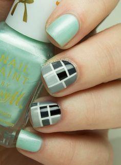 Nail art for short nails.