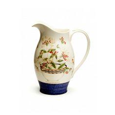 Wedgwood Sarah's Garden Honeysuckle Jug and bowl. Prefect on a wash stand. Grey Dinnerware, Bone China Dinnerware, Dinnerware Ideas, Honeysuckle Cottage, Sarah's Garden, Wash Stand, Wedgwood, Tea Pots, Tableware
