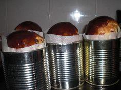 panettone casero hecho en una lata Banana Bread Easy Moist, Spanish Cuisine, Gateaux Cake, Desserts To Make, Christmas Sweets, Latin Food, Cookies And Cream, Pain, Food Art