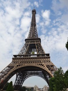 How going up the Eiffel Tower became a disappointment