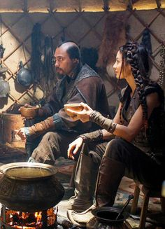 Uli Latukefu &Claudia Kim in 'Marco Polo' (2014).