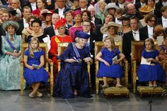 Princess Beatrix (ex Queen) and her 3 granddaughters princess Alexia, crownprincess Amalia and princess Ariane during the inauguration of King Willem-Alexander.  De inhuldiging van koning Willem-Alexander. www.nrc.nl