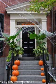 Halloween a Boston, Louisburg Square