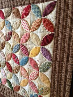 This is my Baby Adelia orange peel quilt, inspired by Kathleen Tracy's Remembering Adelia . It's hand pieced and hand quilted, and measures...