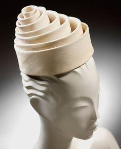 Spiral silk hat, Balenciaga for Eisa, 1962, Spain. Museum no. T.146-1998. © Victoria and Albert Museum, London