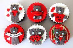Resultado de imagem para valentine cupcake toppers