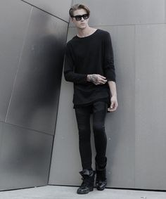 Image of WLxBG - BLACK ESSENTIAL LONG SLEEVE TEE WITH MESH DETAILS