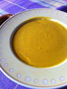 """Jess hat gerade noch rechtzeitig daran gedacht, ihren Link für den Vegan Wednesday """"abzugeben"""", und verrät uns ihr Rezept für Möhren-Ingwer-Suppe."""