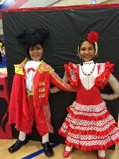 If you're looking for a really cool cultural thing to do at your school or homeschool co-op, take a look here for an idea. This elementary school did a Spanish speaking country fair. NEAT!  http://www.spanish-for-you.net/blog/elementary-school-does-spanish-speaking-country-fair