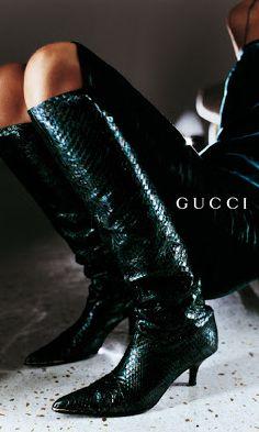 f9fcb08bed Gucci Leather Fashion Brands, 90s Fashion, Couture Fashion, Love Fashion,  High Fashion
