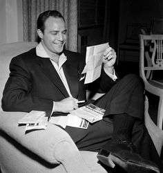 Marlon Brando Really Enjoys Reading Your eBay Round-Ups. That's why he decided to wear suede brogues.