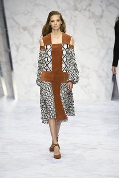 daks-mode-elegante-mousseline-soie-daim-ete-2016