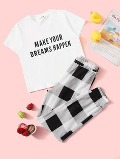 To find out about the Girls Slogan Print Tee and Plaid Pants PJ Set at SHEIN, part of our latest Girls Loungewear ready to shop online today! Cute Lazy Outfits, Outfits For Teens, Girl Outfits, Cute Sleepwear, Girls Sleepwear, Plaid Pajamas, Cute Pajamas, Pajamas Women, Pyjamas