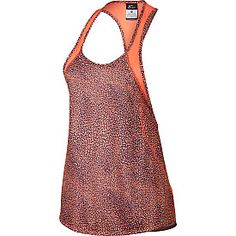 This Nike® women's printed crew tank is perfect for any activity, thanks to to its flattering coverage and breathability. It's designed with a fun printed fabric and mesh panels for added ventilation, as well as reflective details that keep you visible at night.