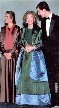 Reina Sofia & Infanta Elena & principe Felipe