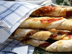 Grissini med lufttorkad skinka och rosmarin (kock Ernst Kirchsteiger). Supergott till Gazpacho