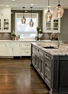 Awesome 85 Rustic Farmhouse Kitchen Cabinets Makeover Ideas https://homstuff.com/2018/02/01/85-rustic-farmhouse-kitchen-cabinets-makeover-ideas/ #kitchencabinet